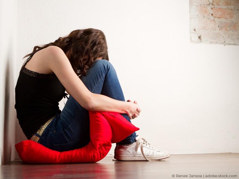 Prämenstruelles Syndrom: Einziger Ausweg Pille?! Natürliche Behandlung bei PMS