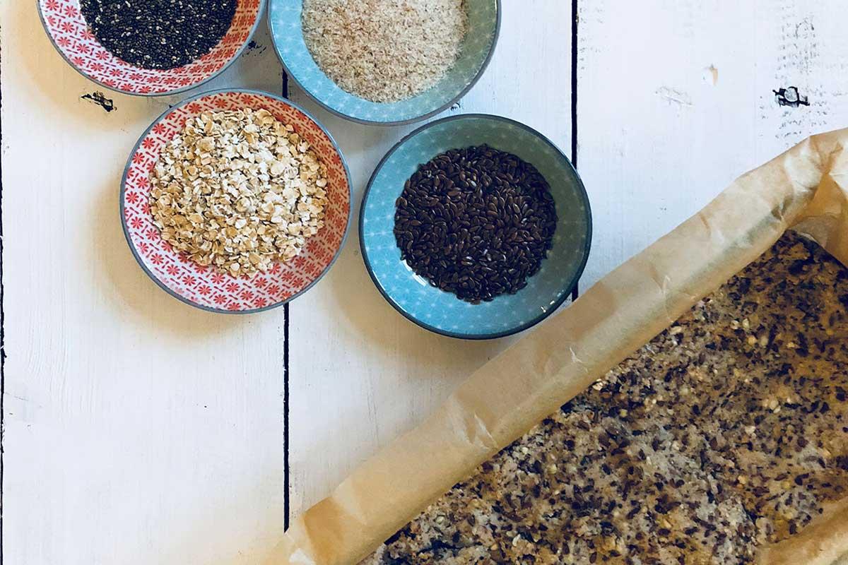 Rezept: Glutenfreies Brot aus Samen und Nüssen 4